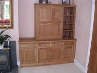 Fitted storage unit